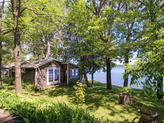 dog-friendly vermont vacation rental right on the lake