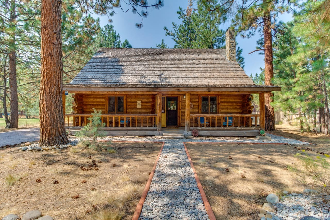 the Tollgate Log Cabin in Sisters, OR