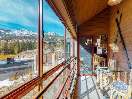 Cabin rental sun-room with views of mountain in Mammoth Lakes, CA