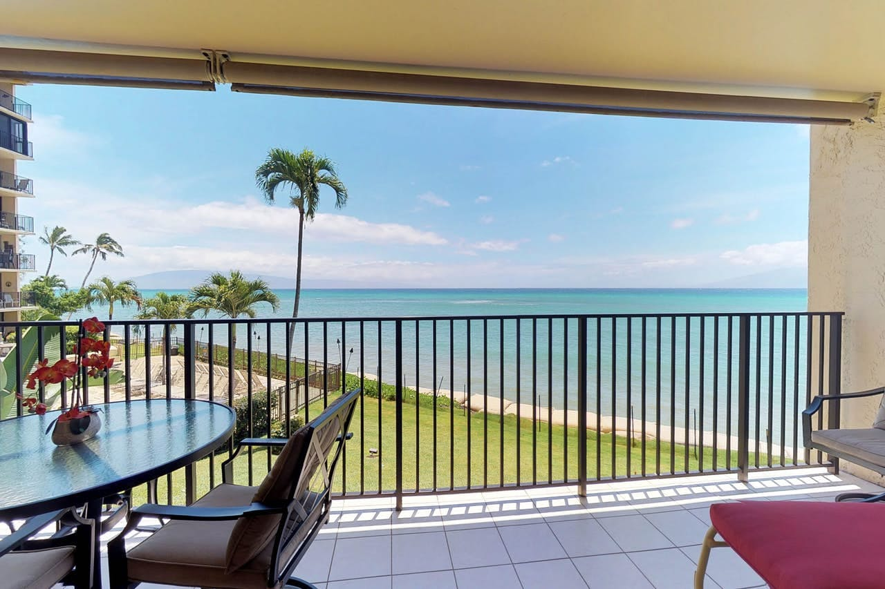 the view of the ocean from a condo at Hololani Resort