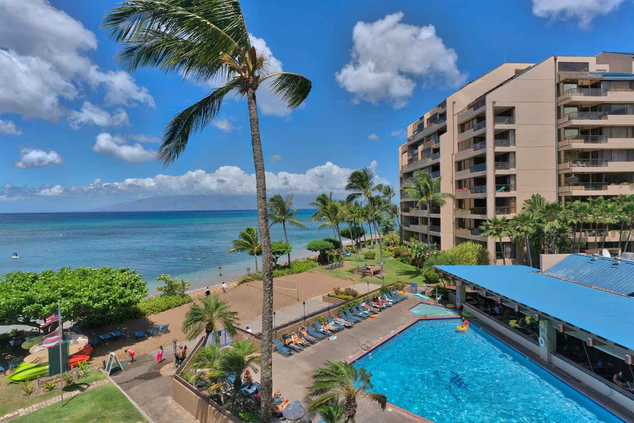 the pool and beach at Sands of Kahana on a sunny day in maui