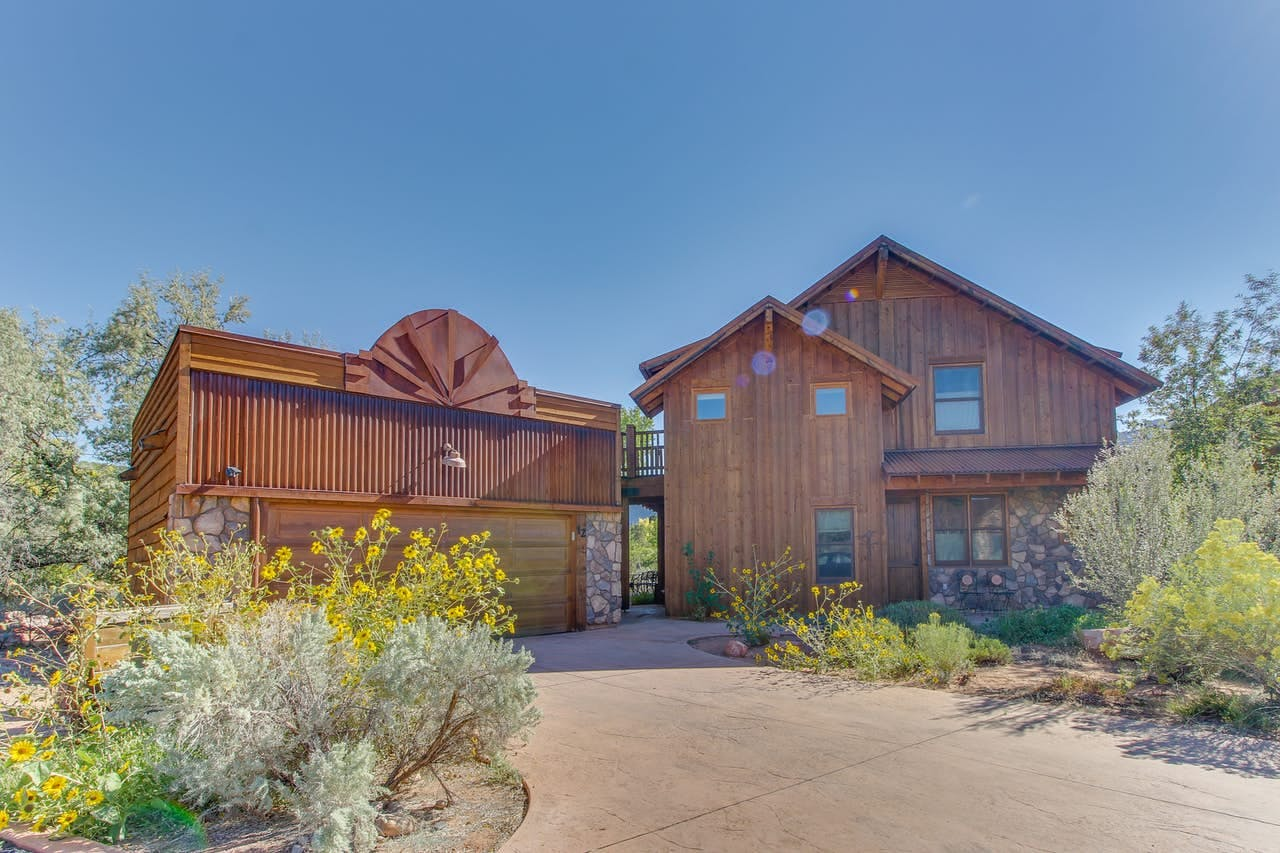 A luxury cabin in Moab, UT