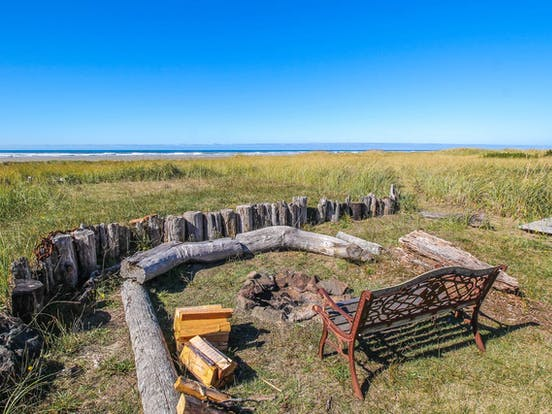 Outdoor firepit of Moclips, WA beach house rental