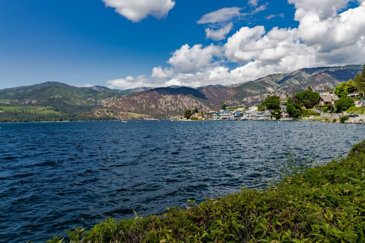 views of lake chelan on a sunny day