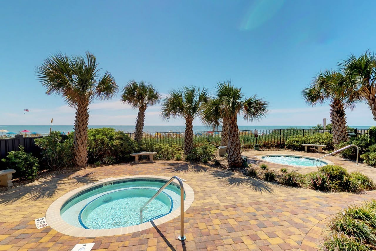 Outdoor hot tubs located right near the beach this Myrtle Beach resort