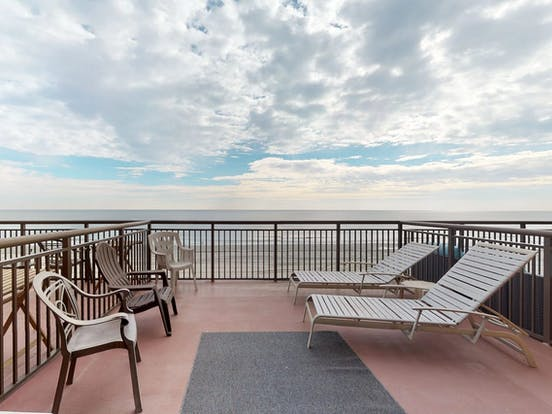 Beachfront vacation rental balcony in Myrtle Beach