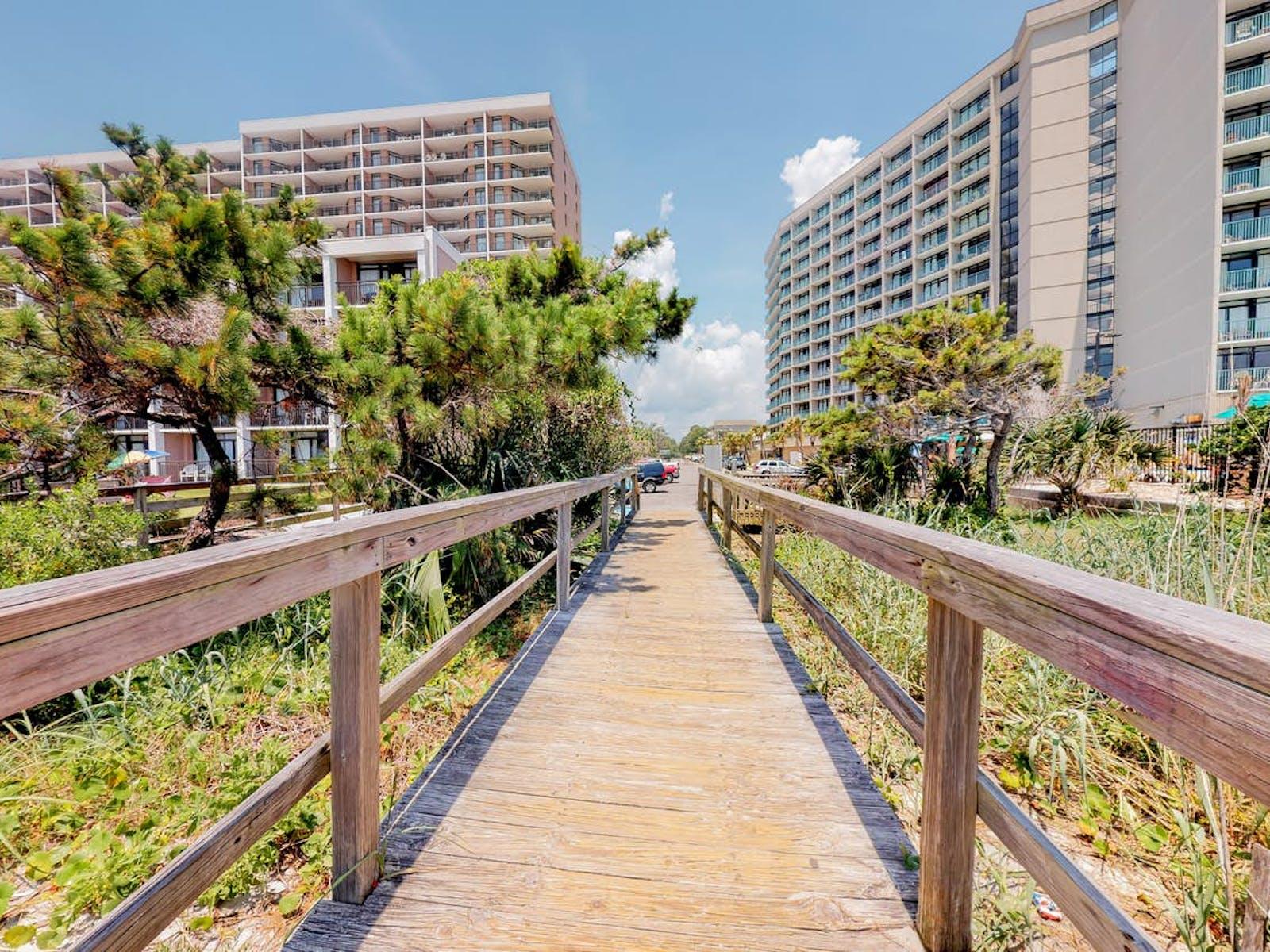 myrtle beach boardwalk to the beach