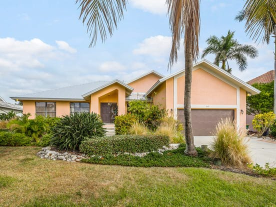 Colorful vacation rental located in Naples, FL