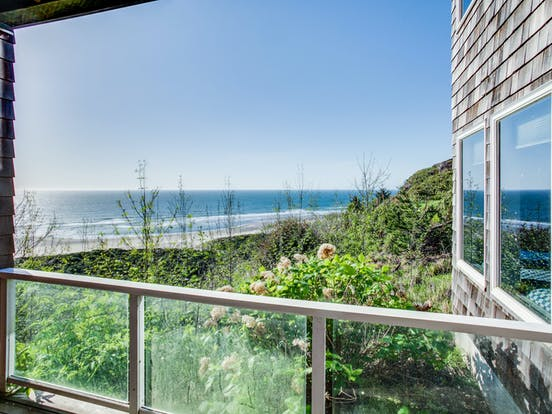 Beach vacation rental overlooking the coast in Neskowin, OR