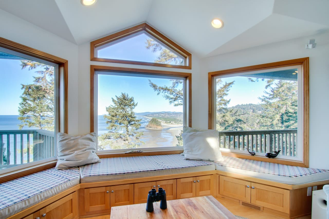 an oregon coast vacation rental overlooking the ocean