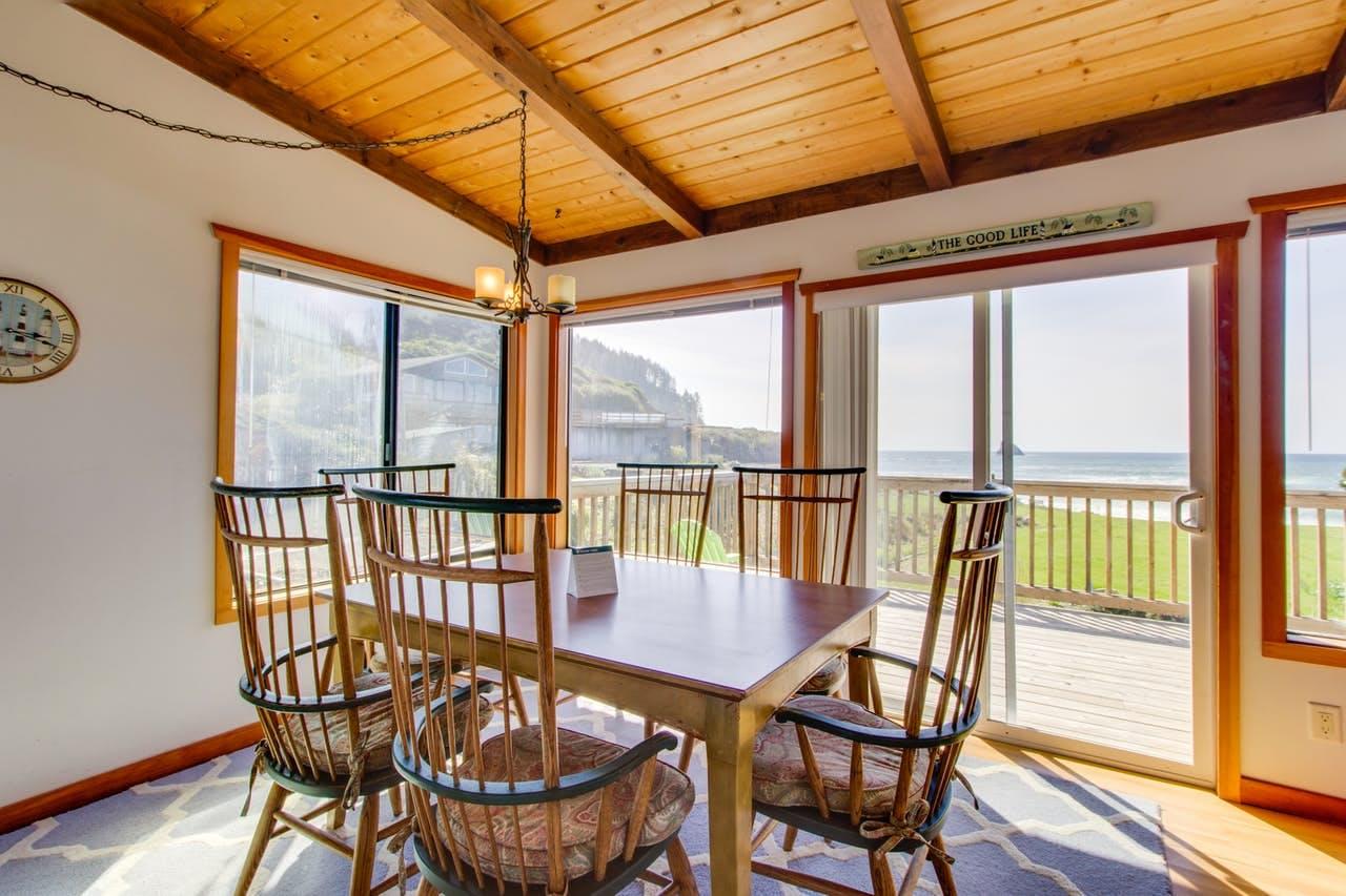 Shoreline Cottage – Cape Meares, OR