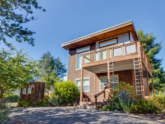 Modern Manzanita Retreat – Manzanita, OR