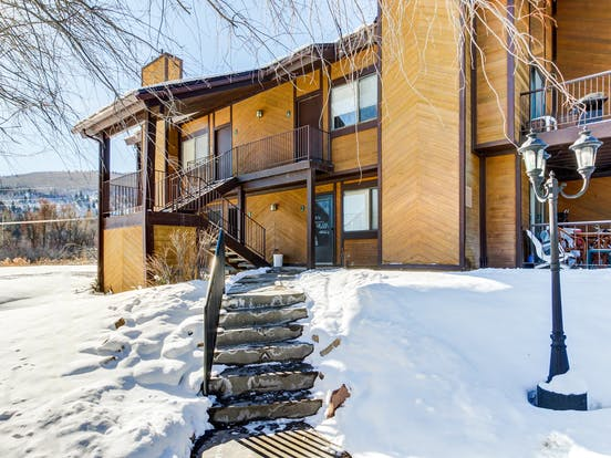 Canyons Village Retreat is steps away from Cabriolet ski lift