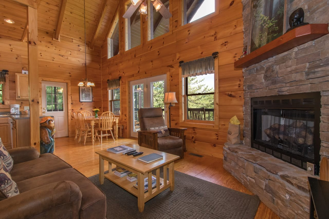 Pet-friendly vacation cabin in Townsend, TN