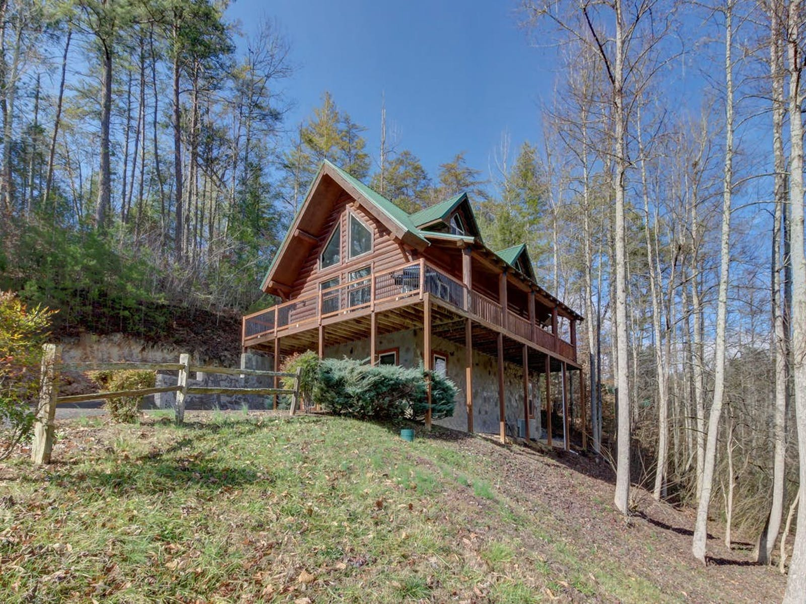 Vacation cabin rental in the Smoky Mountains