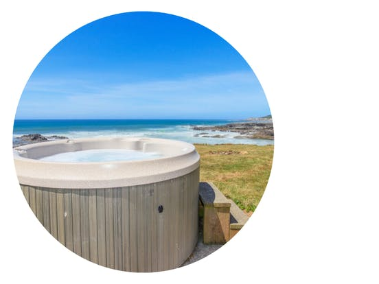 outdoor hot tub overlooking ocean