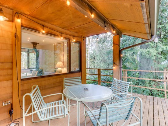 Outdoor patio seating of Port Angeles vacation rental