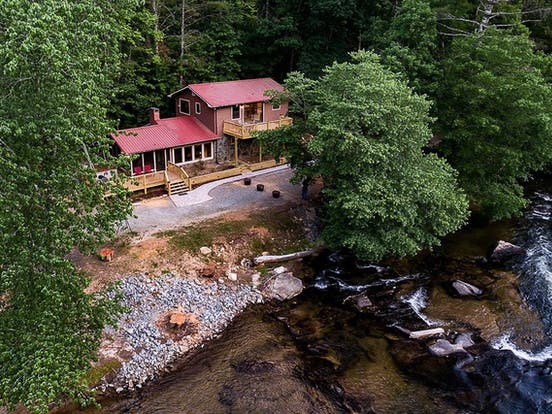 toccoa river vacation rental with two decks