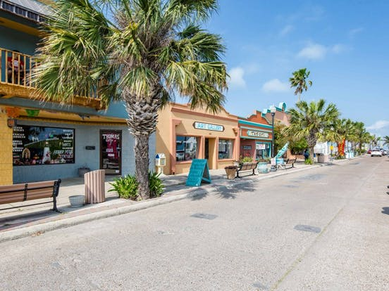 Shops and restaurants located in South Padre