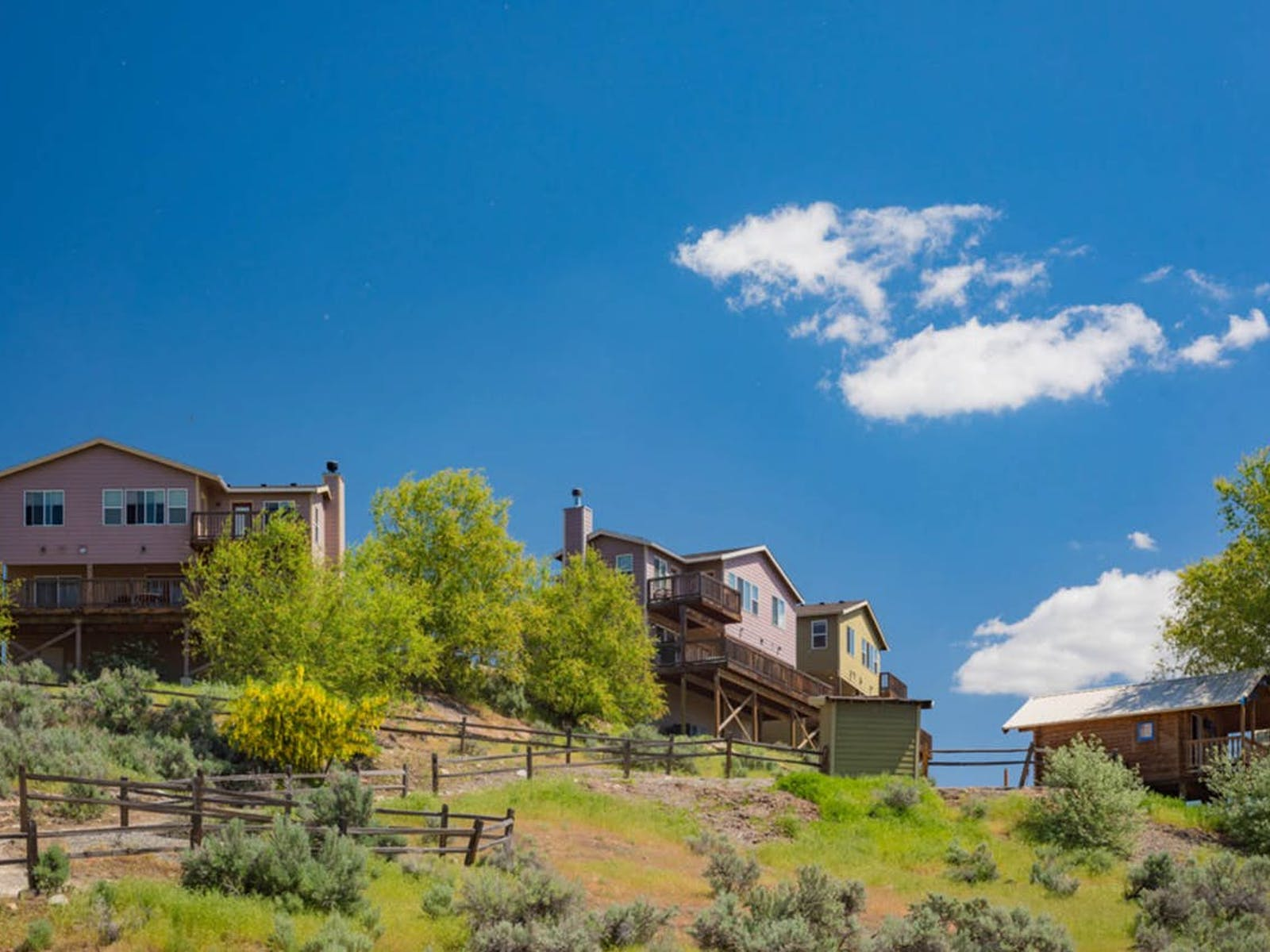 Distant view of Sunbanks vacation rentals