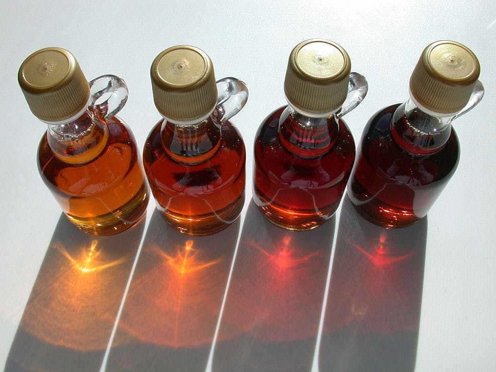 Syrup grades from light to dark