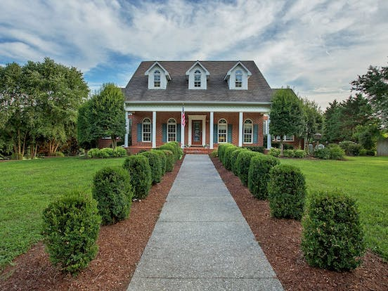 Meticulously maintained estate in Cookeville, TN on 11 private acres