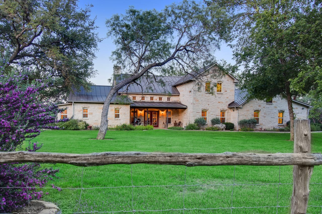 Beautiful riverfront home in Texas wine country