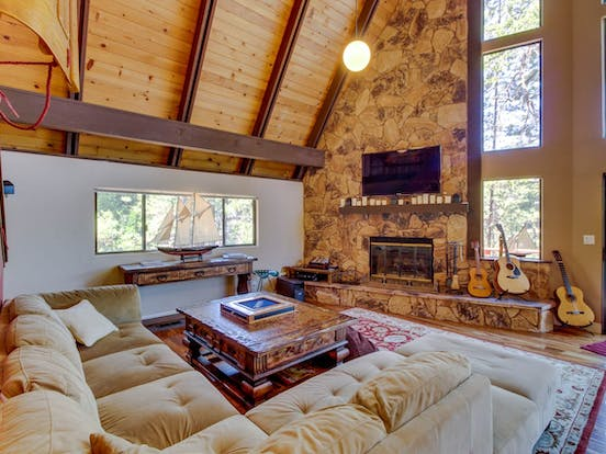 Interior of Pine Mountain Lake vacation cabin