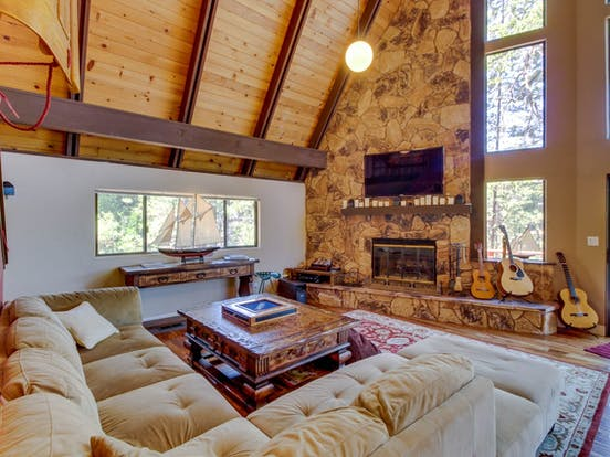 Interior of Pine Mountain Lake vacation cabin