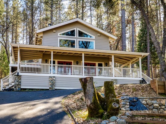 Vacation home located in Groveland, CA