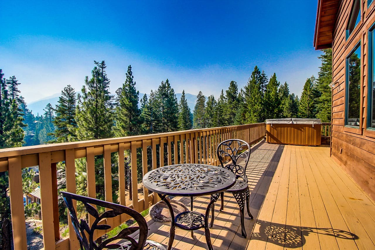 deck of Mammoth Lakes, CA vacation rental with beautiful views of Yosemite